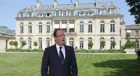 Hollande to retire on '€15k a month' pension
