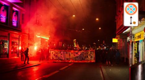 Zurich riot police tackle vandals wreaking havoc