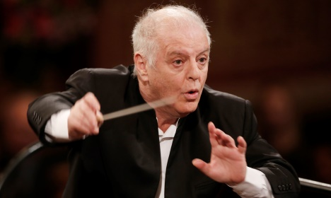 La Scala conductor outburst at fan's photos