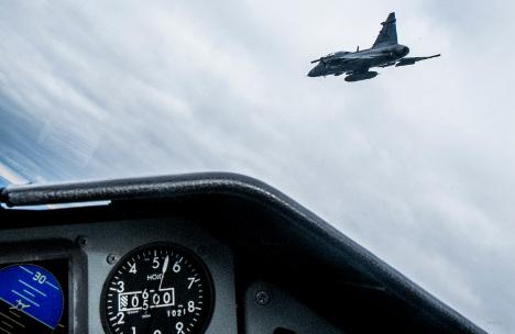 Russia denies jet near miss close to Sweden