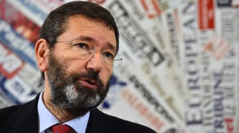 Rome's mayor defies mobster threats