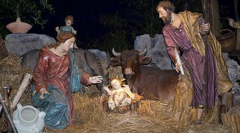 Far-right mayor refuses to remove nativity scene