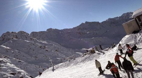 No snow: France's ski resorts delay opening