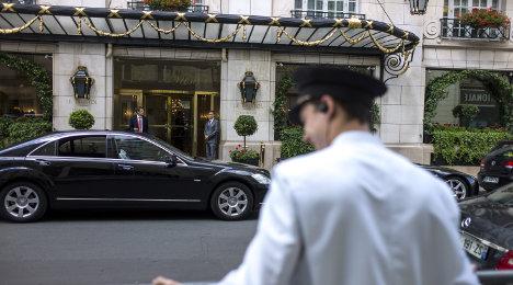 Paris: Brit faces 30 years jail for 'bathtub murder'