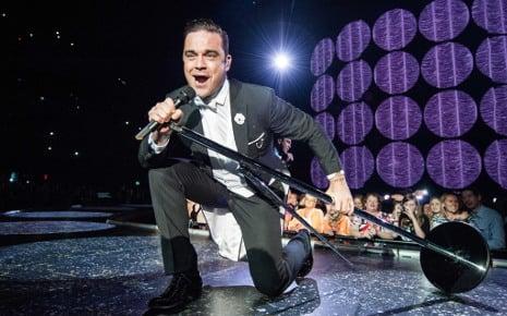 Bored Robbie seeks 'job-job' in Germany