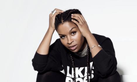 VIDEO: Danish singer tops the US charts