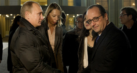 Hollande meets Putin to discuss Ukraine crisis