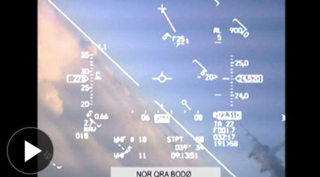 Video: Russian jet nearly hits Nato jet over Norway