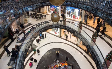 Clubs offer €1 for bust Berlin shopping mall