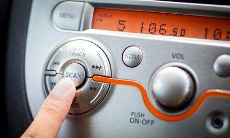 Sweden mulls FM radio switch off date