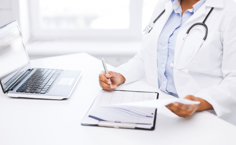 Female doctor may lose job for sexting patient
