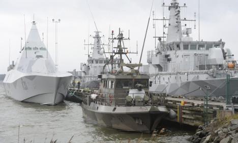 Submarine hunters 'robbed' of reward cash