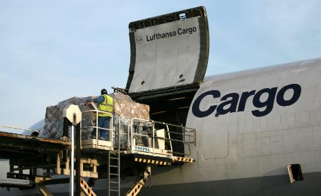 Deutsche Bahn sues airlines for 'price fixing'