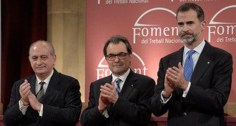 Spanish king praises unity on visit to Catalonia
