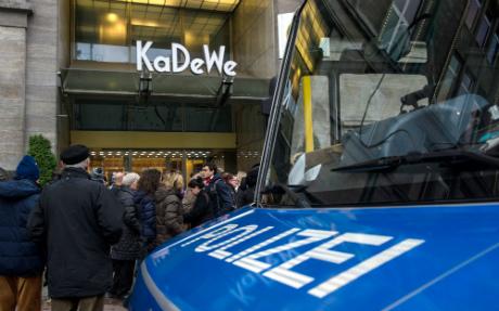 Armed heist at Berlin's top department store