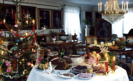 'Avoid politics for Christmas peace' experts argue