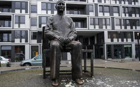 Bertolt Brecht statue hit with potato salad