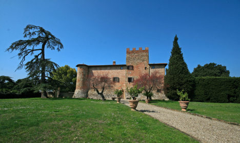 Russians line up to buy Italy's fairytale castles