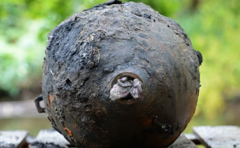 10,000 evacuated after WWII bomb find