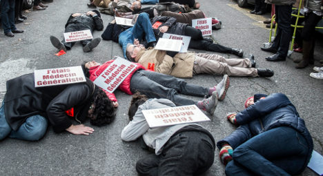 Doctors in France step up strike action
