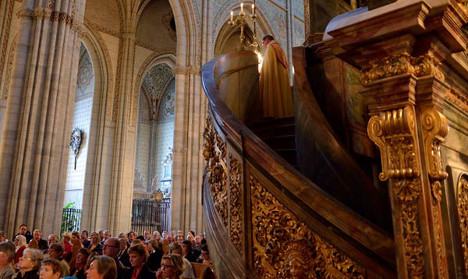 Swedish church sends 'love' to shaken Paris