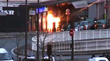 Charlie Hebdo gunmen killed as twin siege ends