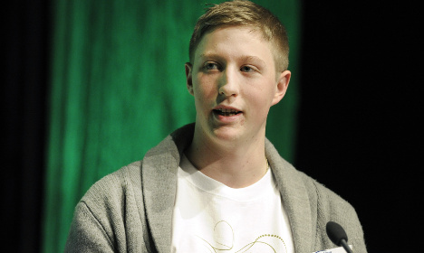 Young Pirate hacker gets top security secrets