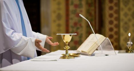 Italian priest abandons church for love
