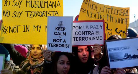 Spanish protests honour Paris terror victims