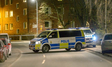 Suspected bomb thrown into Stockholmer's home
