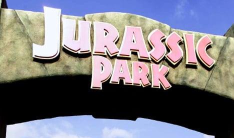 Jurassic Park fan finds rare dinosaur remains