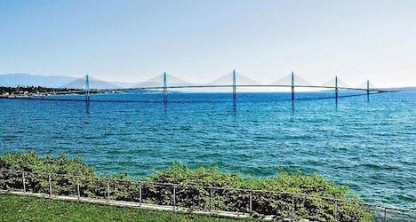 Bid launched for new Lake Geneva crossing