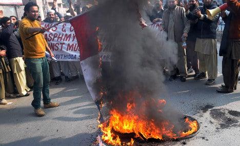 Journalist shot at anti-Charlie rally in Pakistan