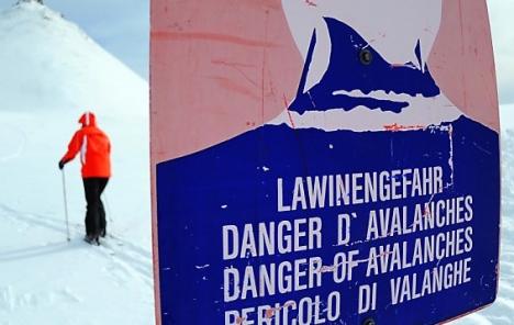 Vienna snowboarder injured in avalanche