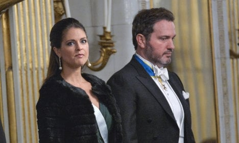 Royal couple blames tax woes on identity theft