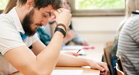 Spanish jobseekers fail exam with answers