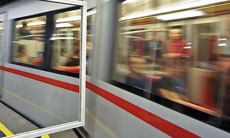 Bomb threat closes U6 metro station Handelskai