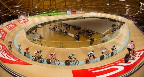 Dennis sets new cycling record in Switzerland