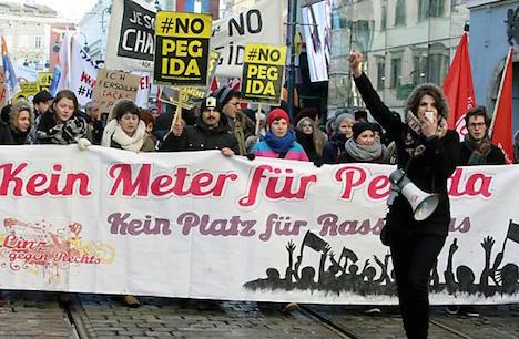 Pegida in Linz meets fierce resistance