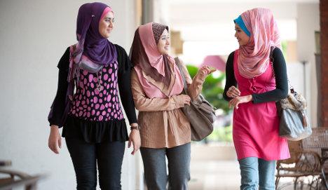 Italian college bans Muslim headscarves