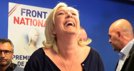 Le Pen backs Italy far right against Renzi