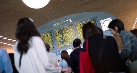 Flights hit as Paris airport strike continues