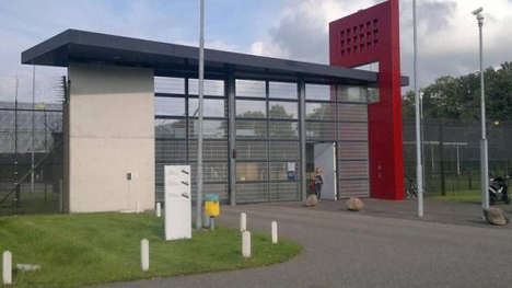 Dutch cons fear losing cushy cells to Norway