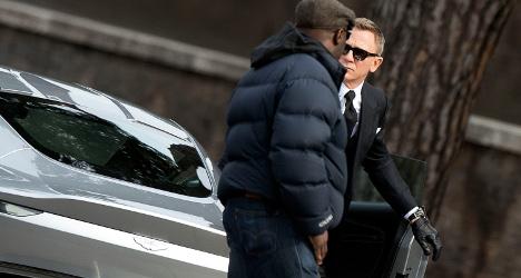 Rome's cobbles disrupt Bond car race in Spectre