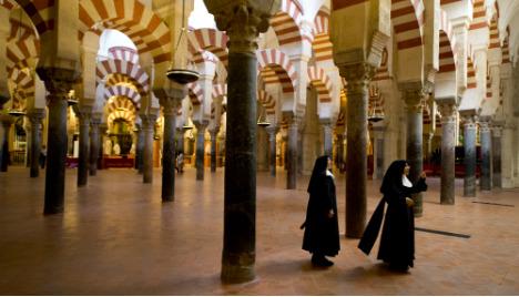 Row rumbles over Cordoba´s Mezquita