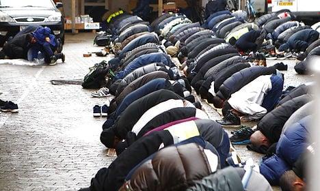 Danish Muslims plan peace vigil after attacks