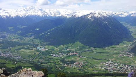 Swiss skier dies in Italian avalanche