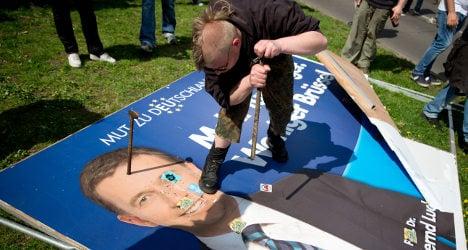 Hamburg police take on AfD poster vandals