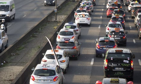 Driving schools and cabbies protest in France