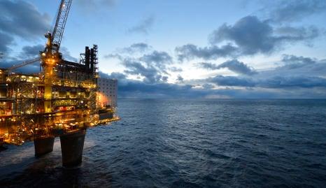 Statoil slashes $2bn in spending as oil slumps